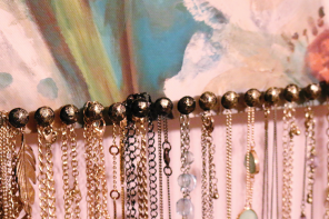 Easy DIY Necklace Display