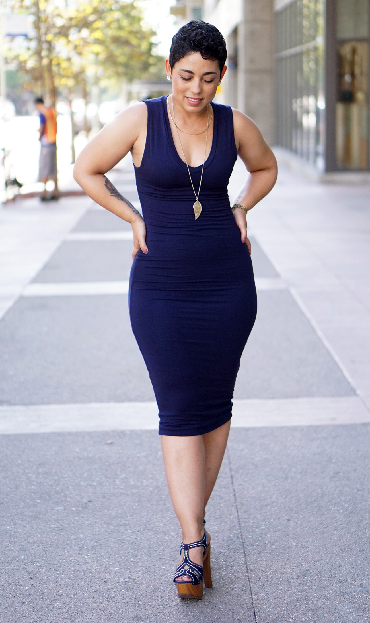 BLUE-FITTED-DRESS